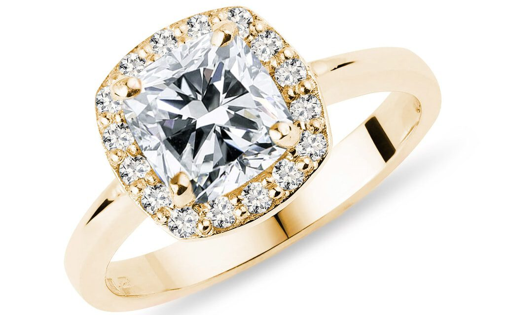 How to find the perfect engagement ring for her