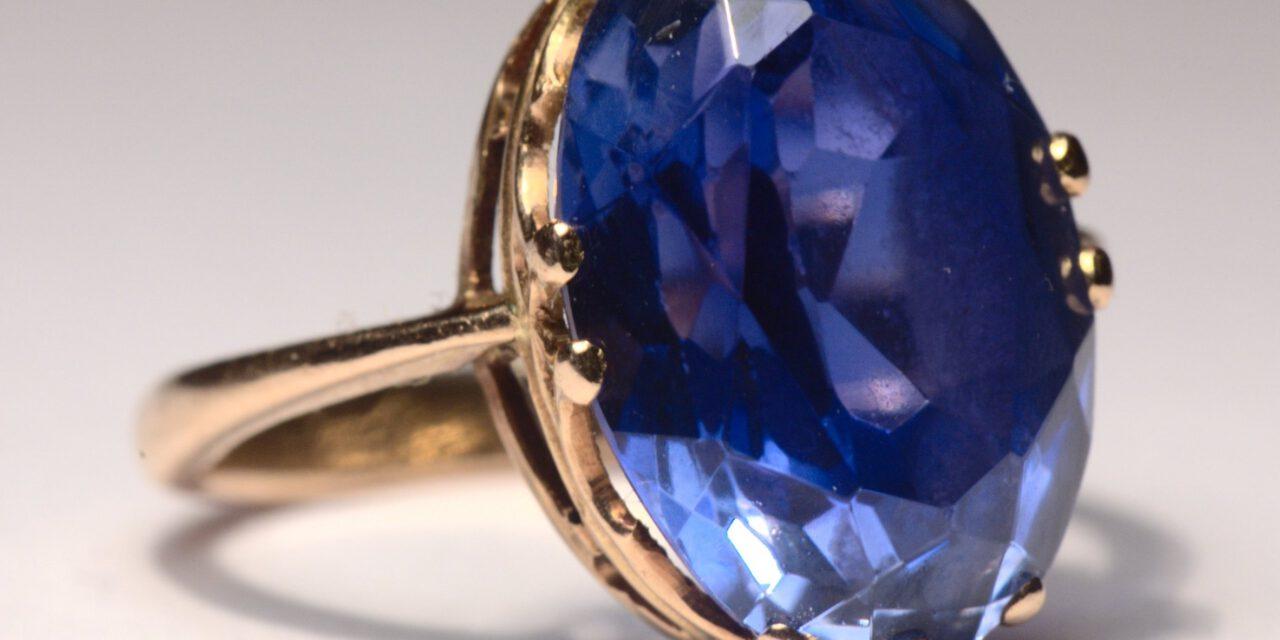 What is Nilamani Gemstone