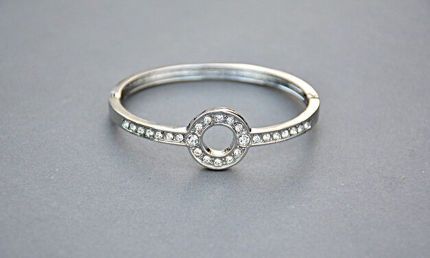 How to Clean Silver Rings at home