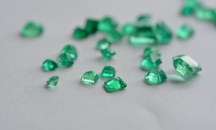 Orient yourself in the green gemstones with awesome infographics